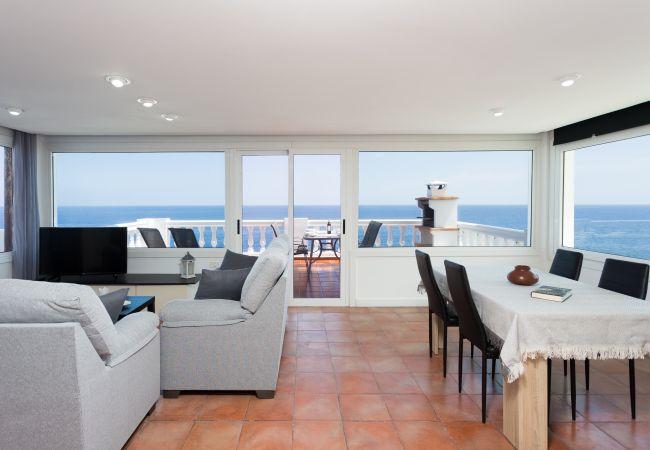 Apartamento en Candelaria - Over the Ocean with pool