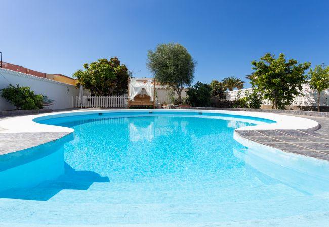 Bungalow en Arona - Bungalow Pal Mar with pool and garden