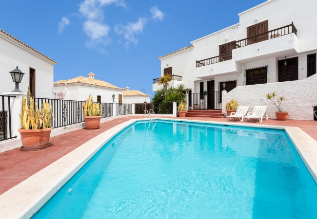 Townhouse in Chayofa - Chayofa Duplex with pool